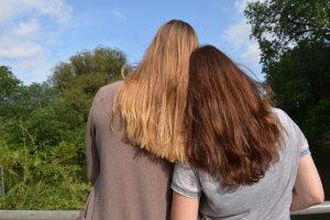 Mit der Freundin Frauenkräuter kennen lernen
